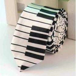 KRAVATA PIANO BÍLÁ