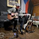 Bruntalsky Open Mic je v plném proudu. Senzační atmosféra a publikum. Děkuji za pozváni 😎 . #bruntal #bruntál #blues #bluesguitar #bluesguitarist #iloveblues #openmic #retroblues_cz #retroblues_net